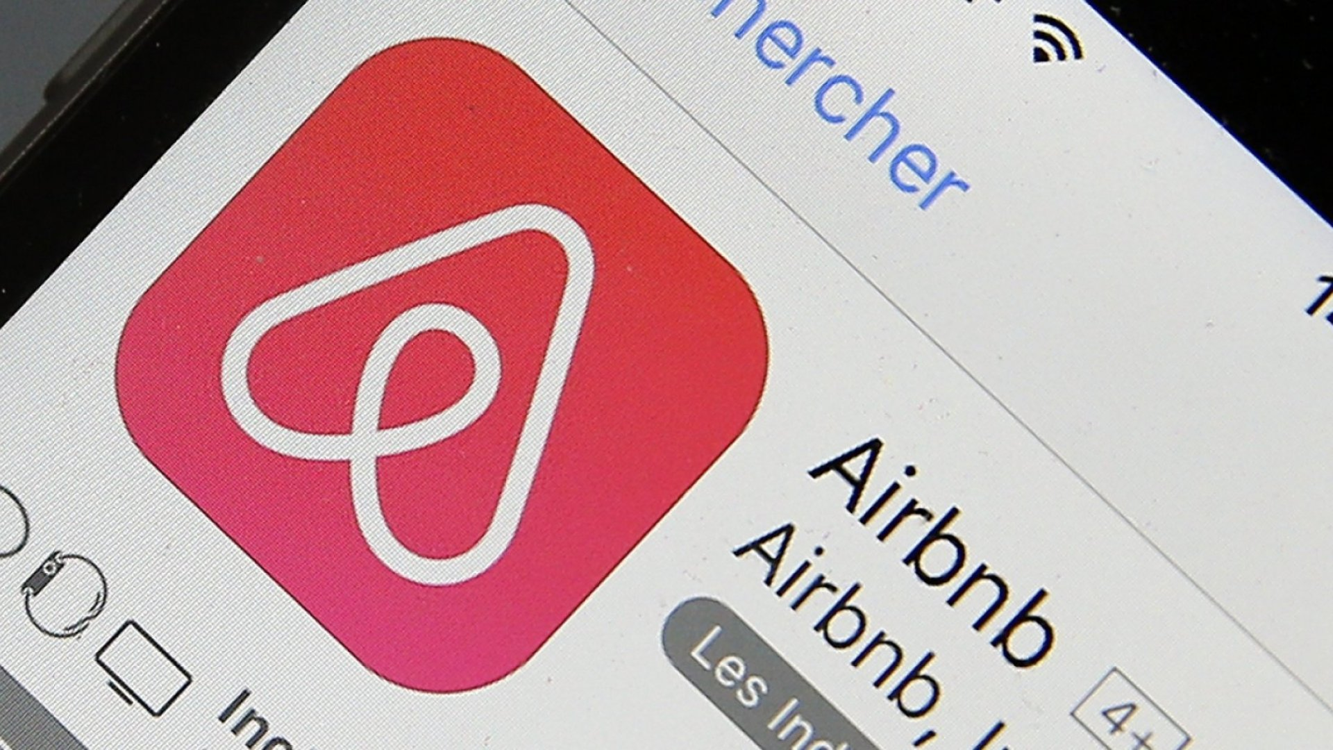 Brooklyn Airbnb Host Is Slapped With $32,000 Fine by New York City