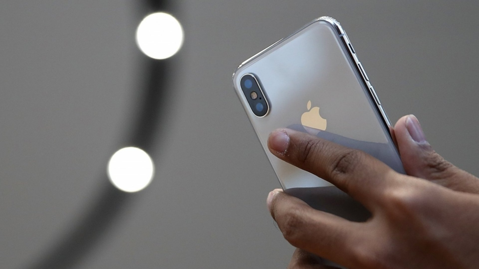 This Simple Change on the Apple iPhone Could Save Countless Lives on the Road