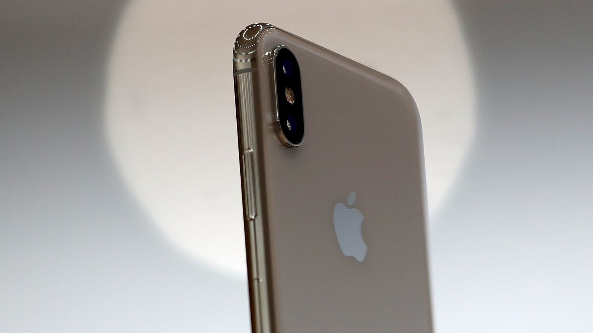 In a Shocking Announcement, Apple Reveals Hidden Costs for Expensive New iPhone X