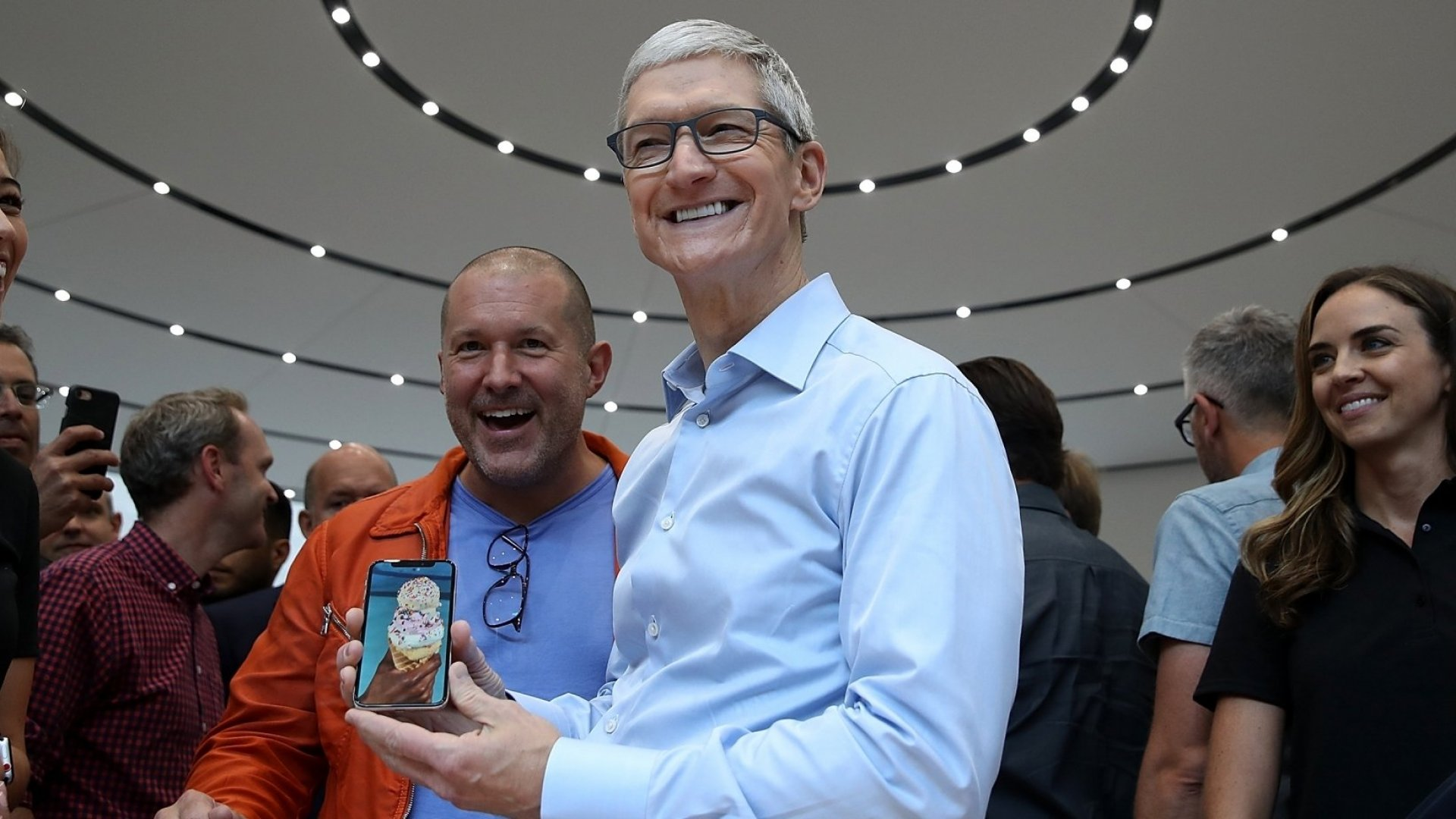 Apple Surpasses Expectations, Revenue Soars to $52.6 Billion in Q4 Earnings Results