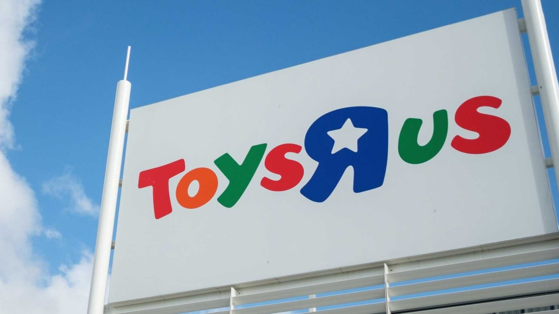 Toys 'R' Us Came Back From the Dead Yesterday. Here's the Surprising Story