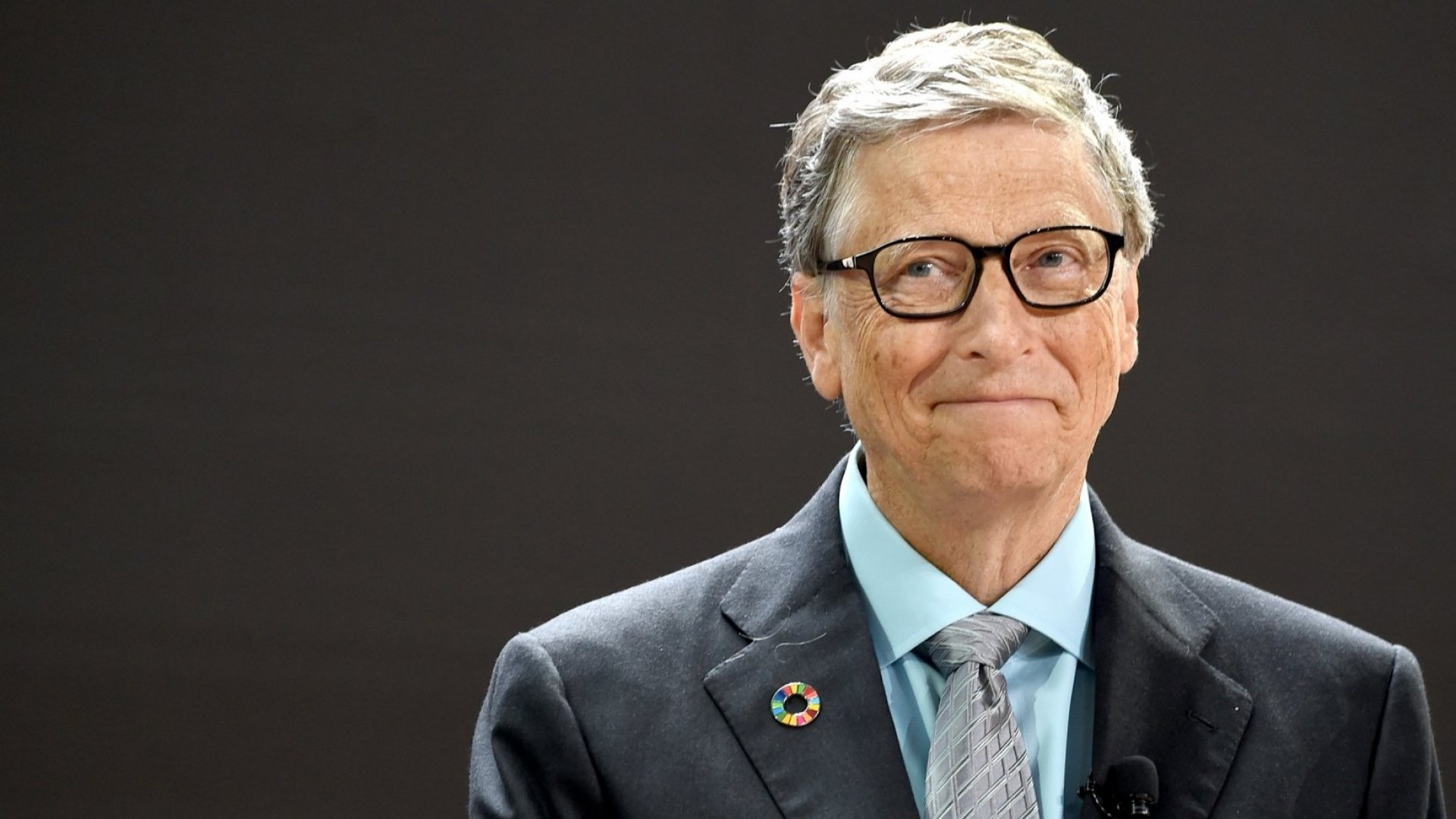 Bill Gates, a Reddit Secret Santa, Sent a Woman in Michigan an 81-Pound Package of Gifts