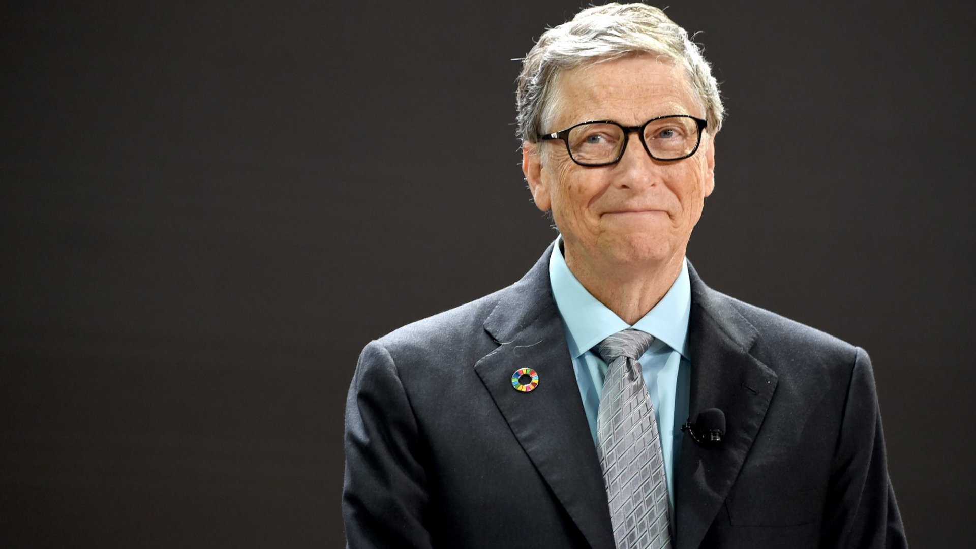 Here's the Crucial Thing Bill Gates Did at Exactly Mark Zuckerberg's Age Now