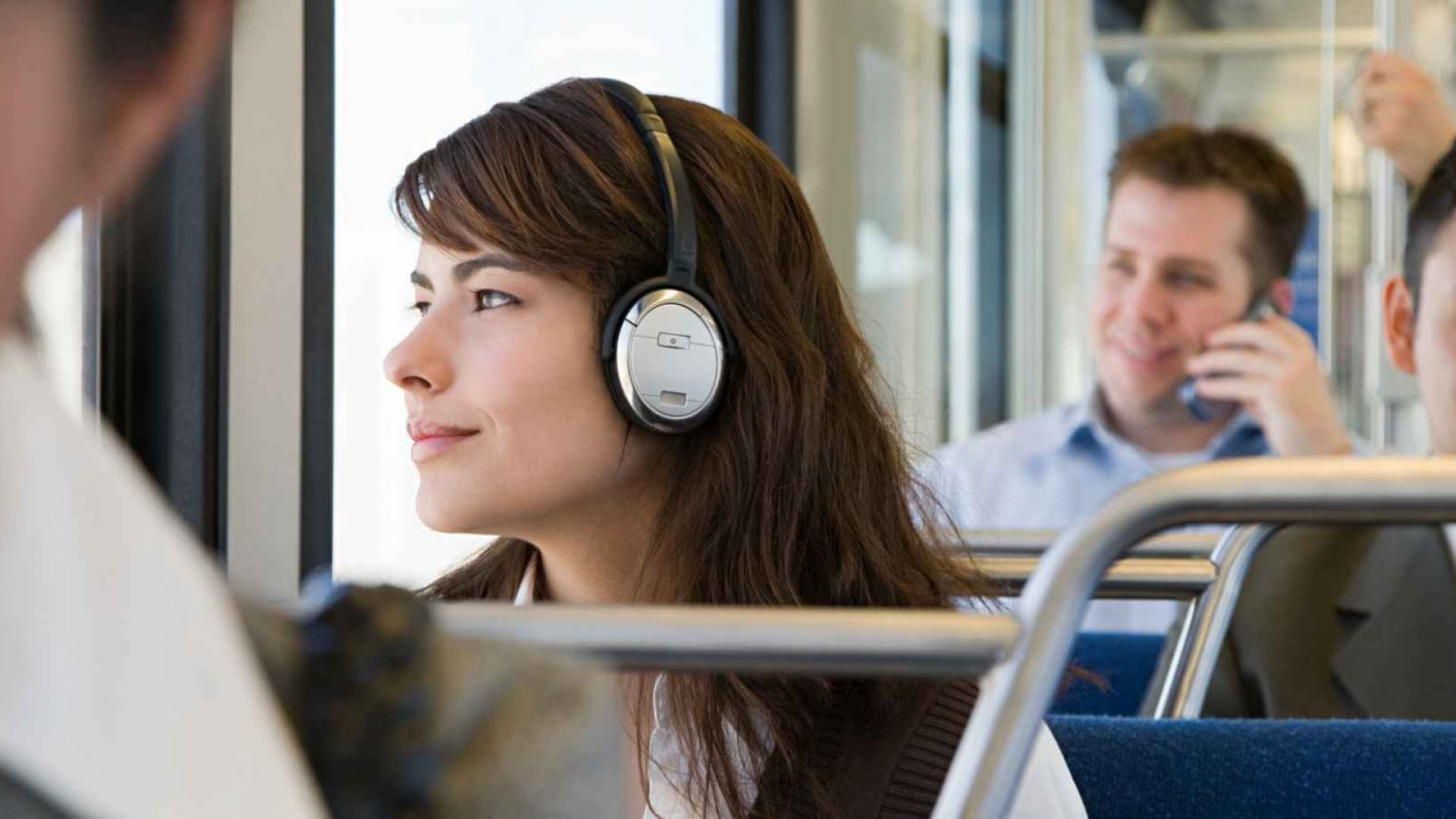 14 Business Books That Turn Your Commute Into Learning Time