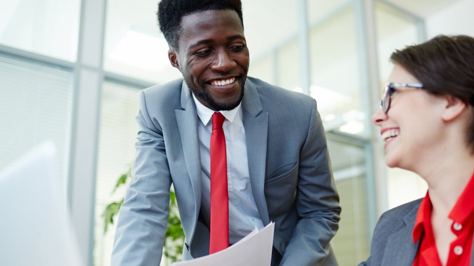 4 Tips Anyone Can Use to Be More Likable