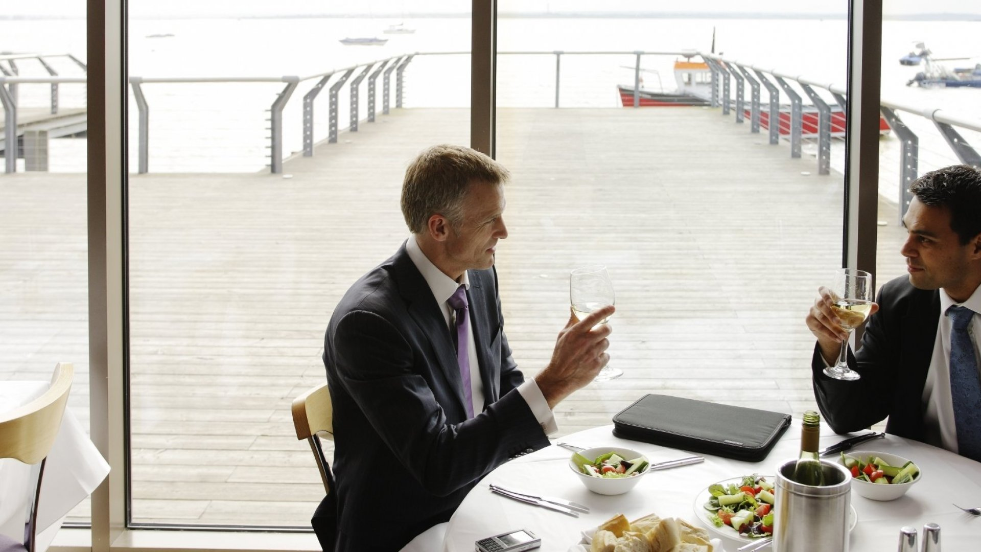 How to Make the Most of a Networking Lunch