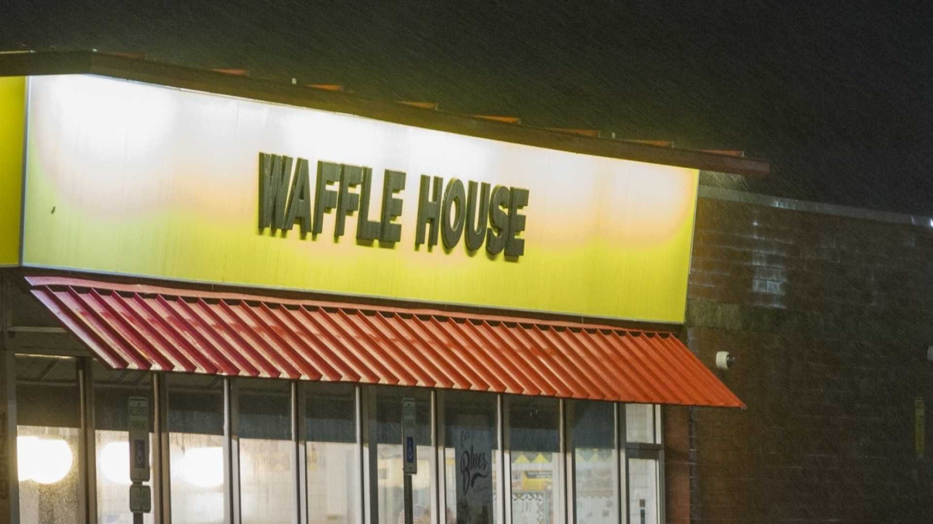 Waffle House's Response to the Drunk Customer Who Cooked His Own Meal Was a Brilliant Lesson in Humility