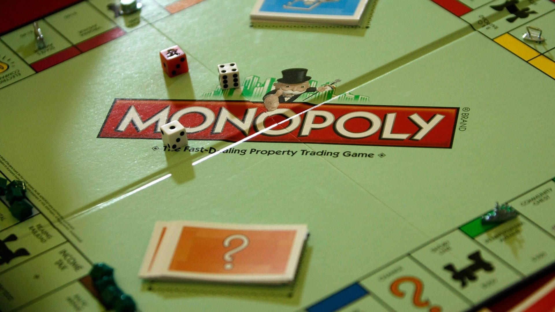 9 Reasons to Still Play Classic Monopoly With Your Kids