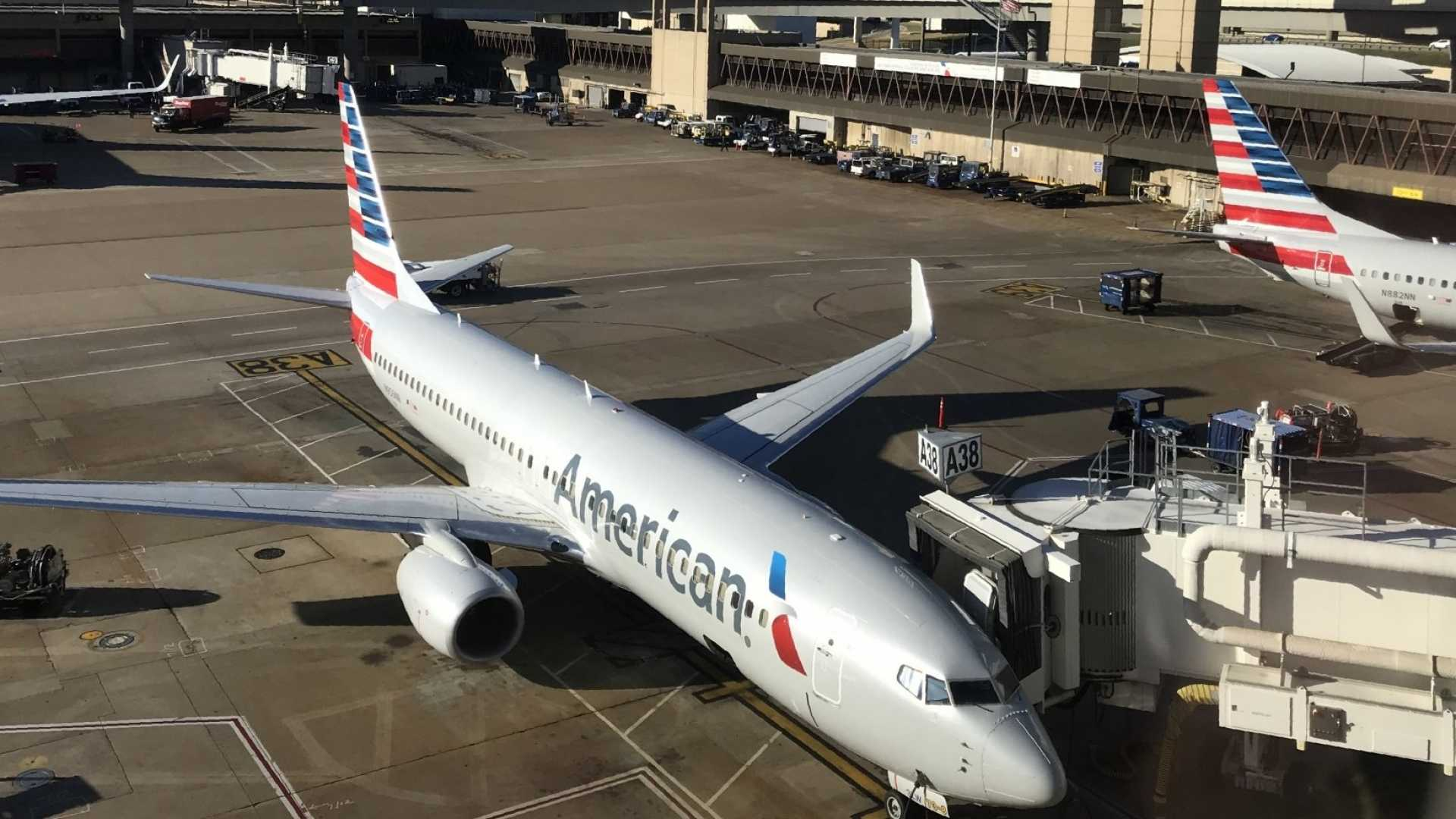 American Airlines Called the Cops to Remove a Famed Fitness Model From a Delayed Flight (Here We Go Again?)