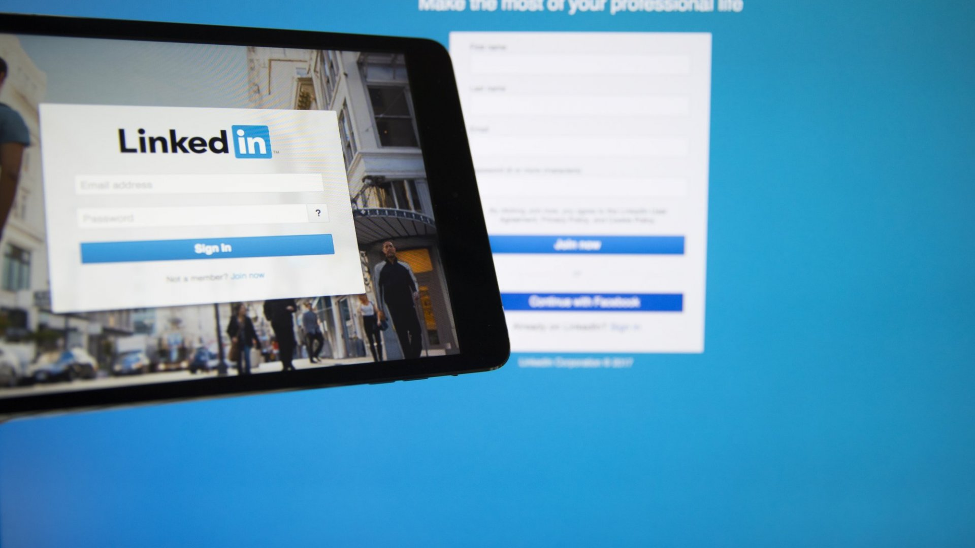 Here's How You Can Boost Your Company's Credibility on LinkedIn