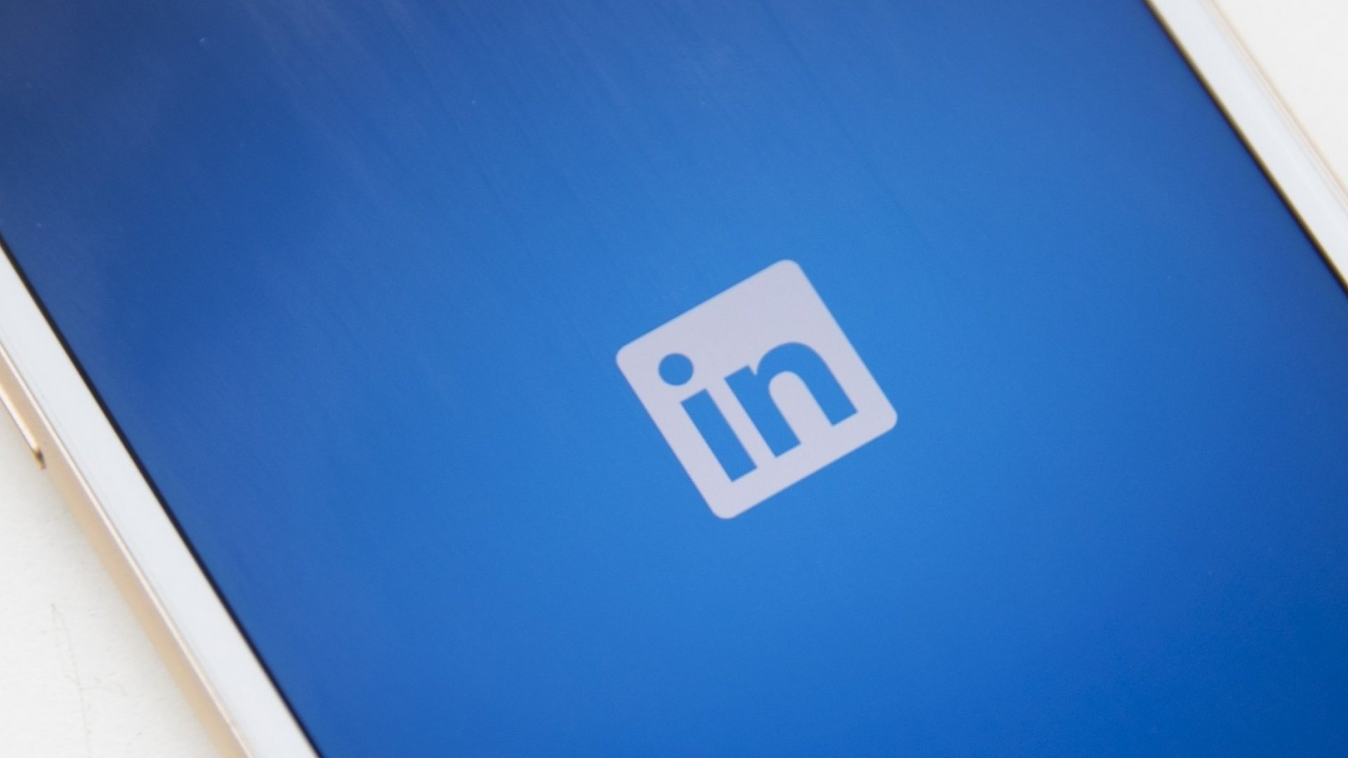 Your Guide to LinkedIn's Latest Update: LiveVideo