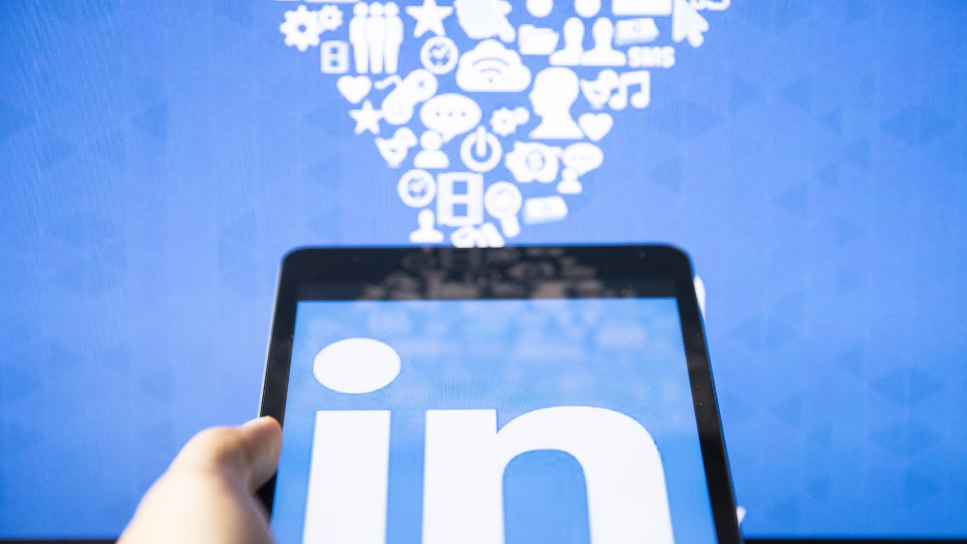 Resolve to Do LinkedIn Better Starting Right Now With Your Inbox