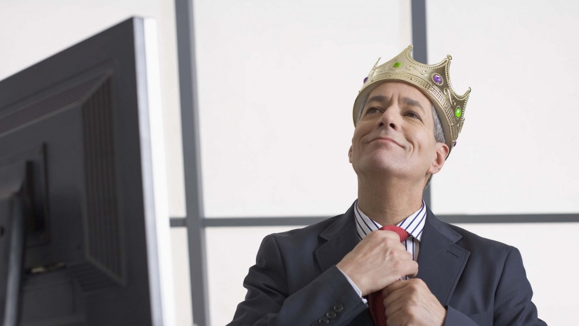 7 Signs Your Boss Is a Raging Narcissist