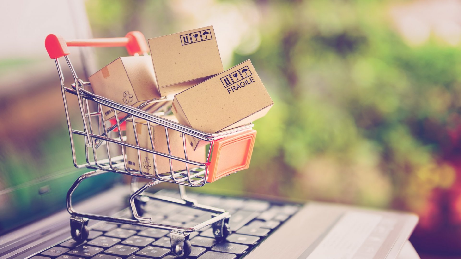 4 Ways to Capture More Sales During Slower Shopping Seasons