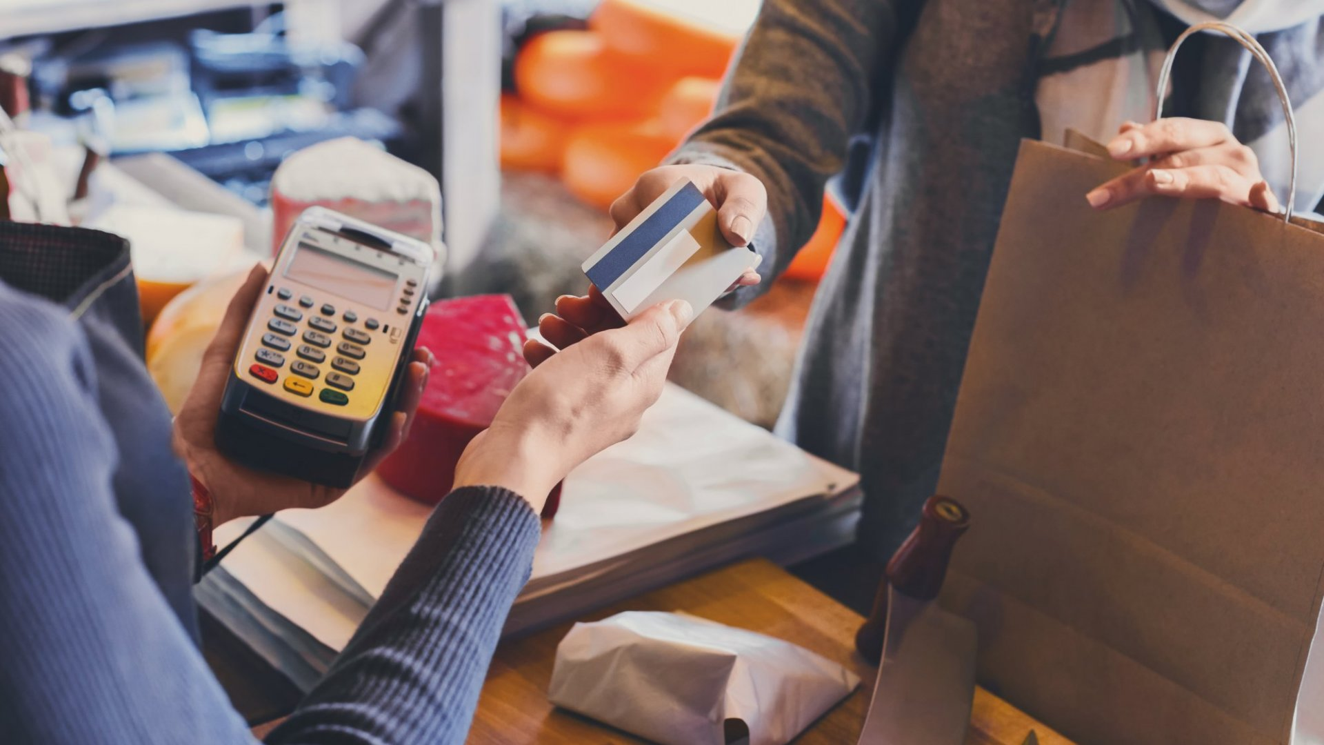 Retailers: How to Integrate Technology Into Your Brick-and-Mortar Space
