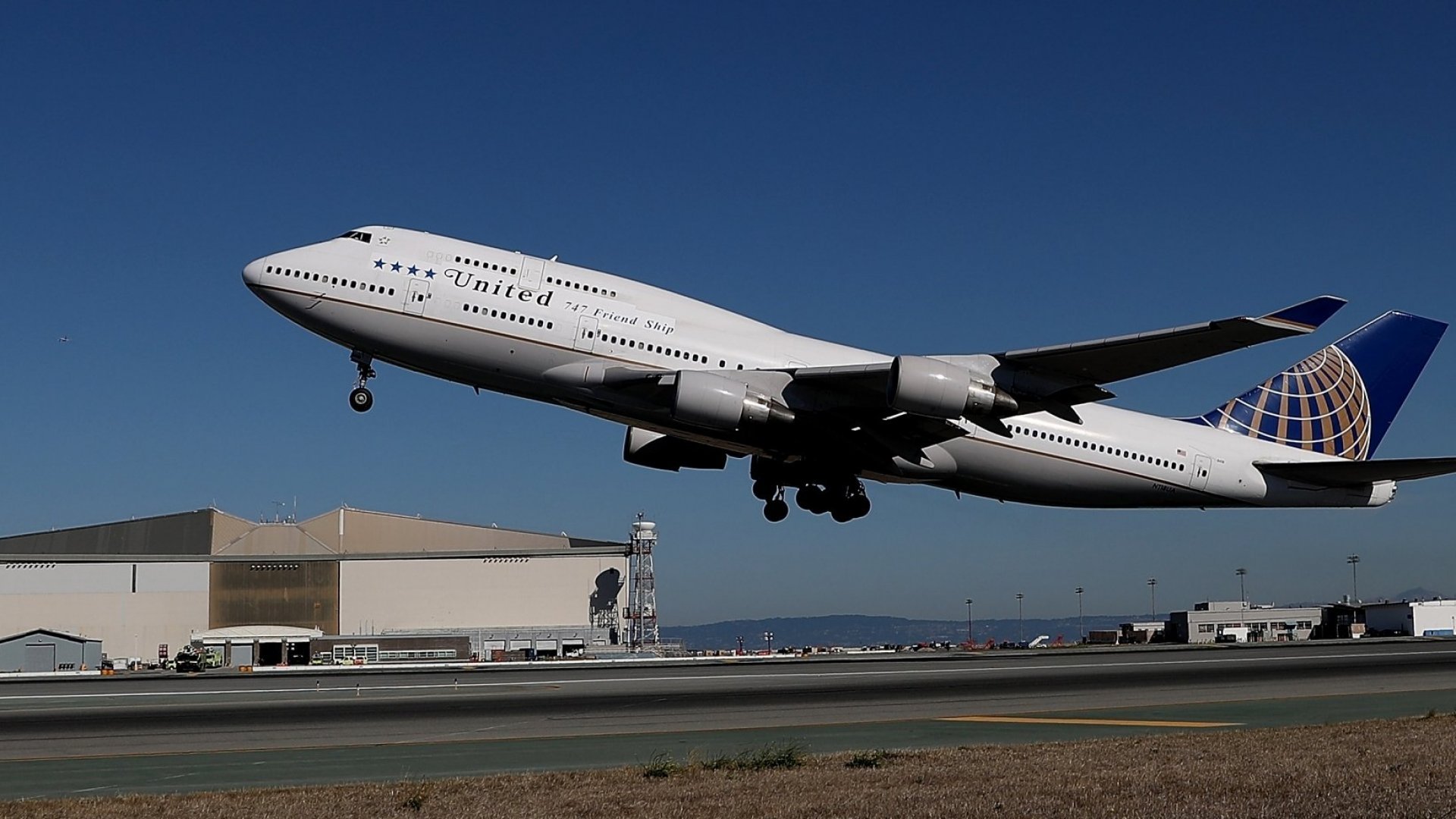 United Airlines Is Making Major Changes Because Customers Refuse to Buy Its Cheapest Fares