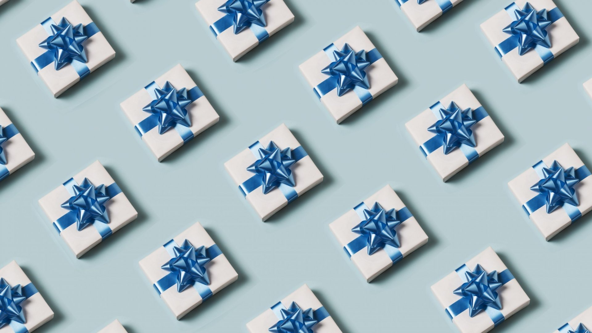 4 Ways Retailers Can Win Over Customers This Holiday Season