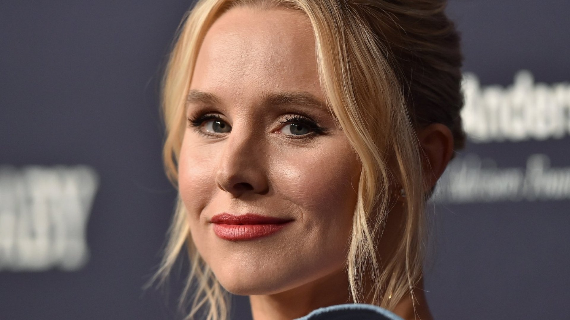 Kristen Bell Used Emotional Intelligence to Confront a Paparazzo Who Took Photos of Her Kids