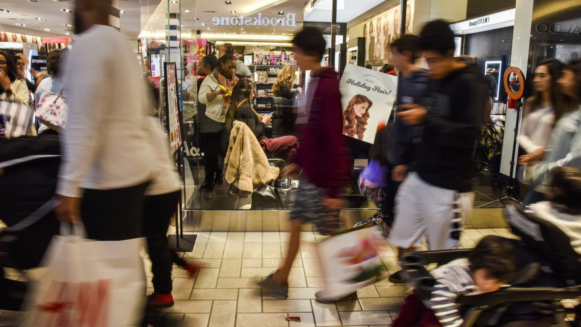 Here's Why Black Friday Is the Perfect Sale, According to Neuroscience