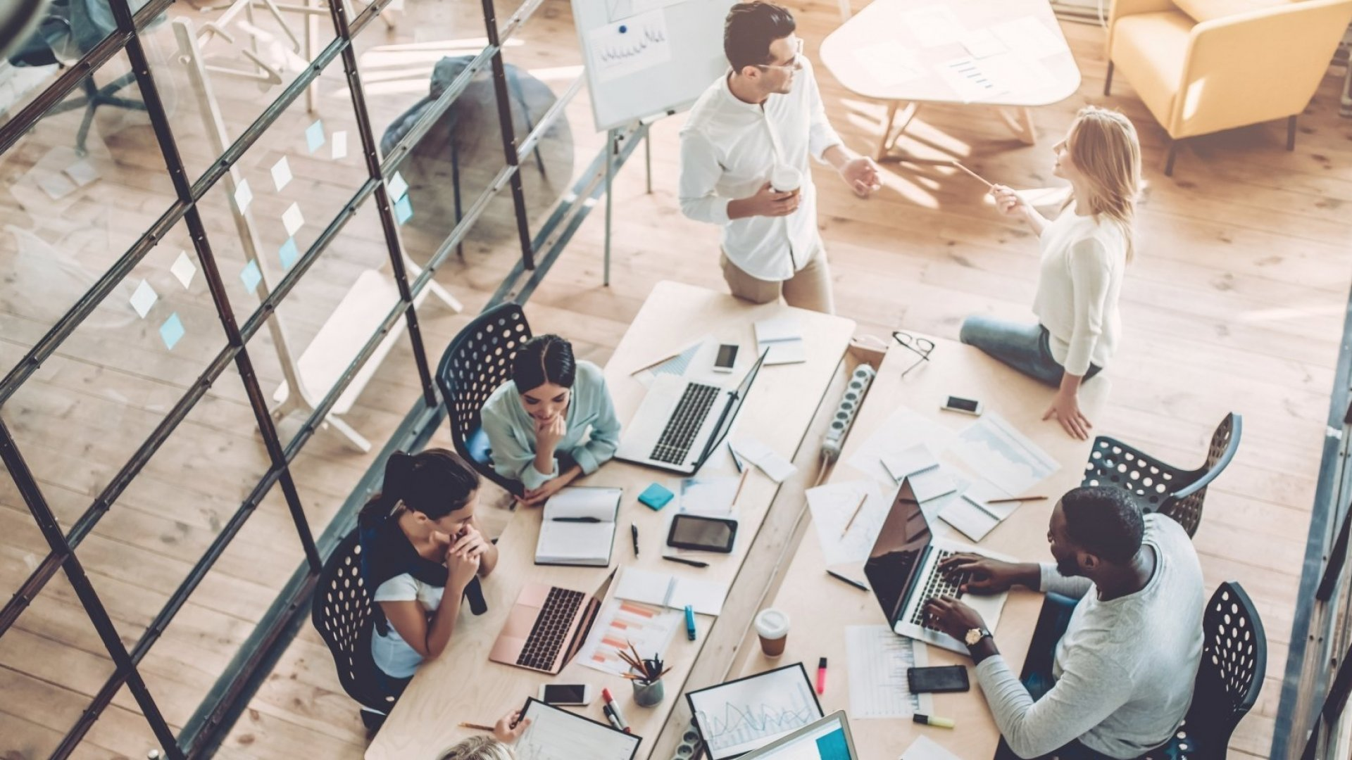 4 Things Successful Companies Do to Inspire Great Teamwork