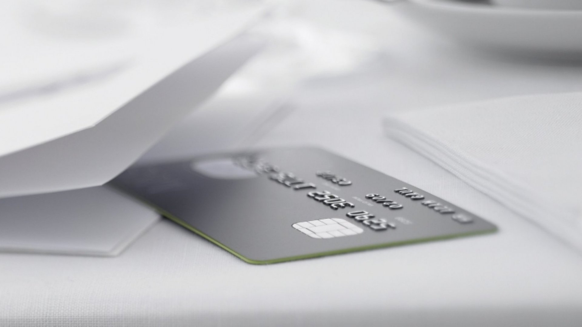 Business Credit Card vs. Business Charge Card: What's the Difference?