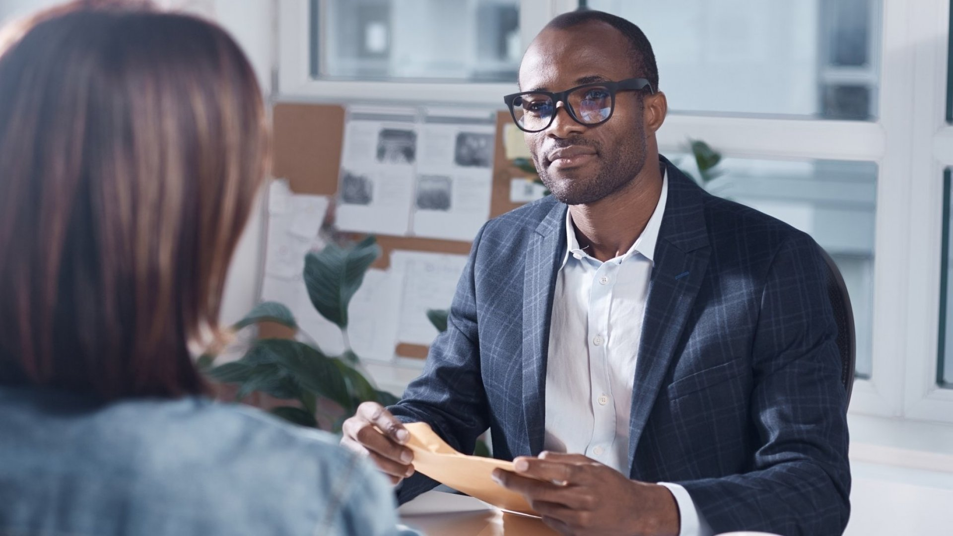 Want a Raise? Here's How to Make Asking Your Boss for a Raise Extraordinarily Easy