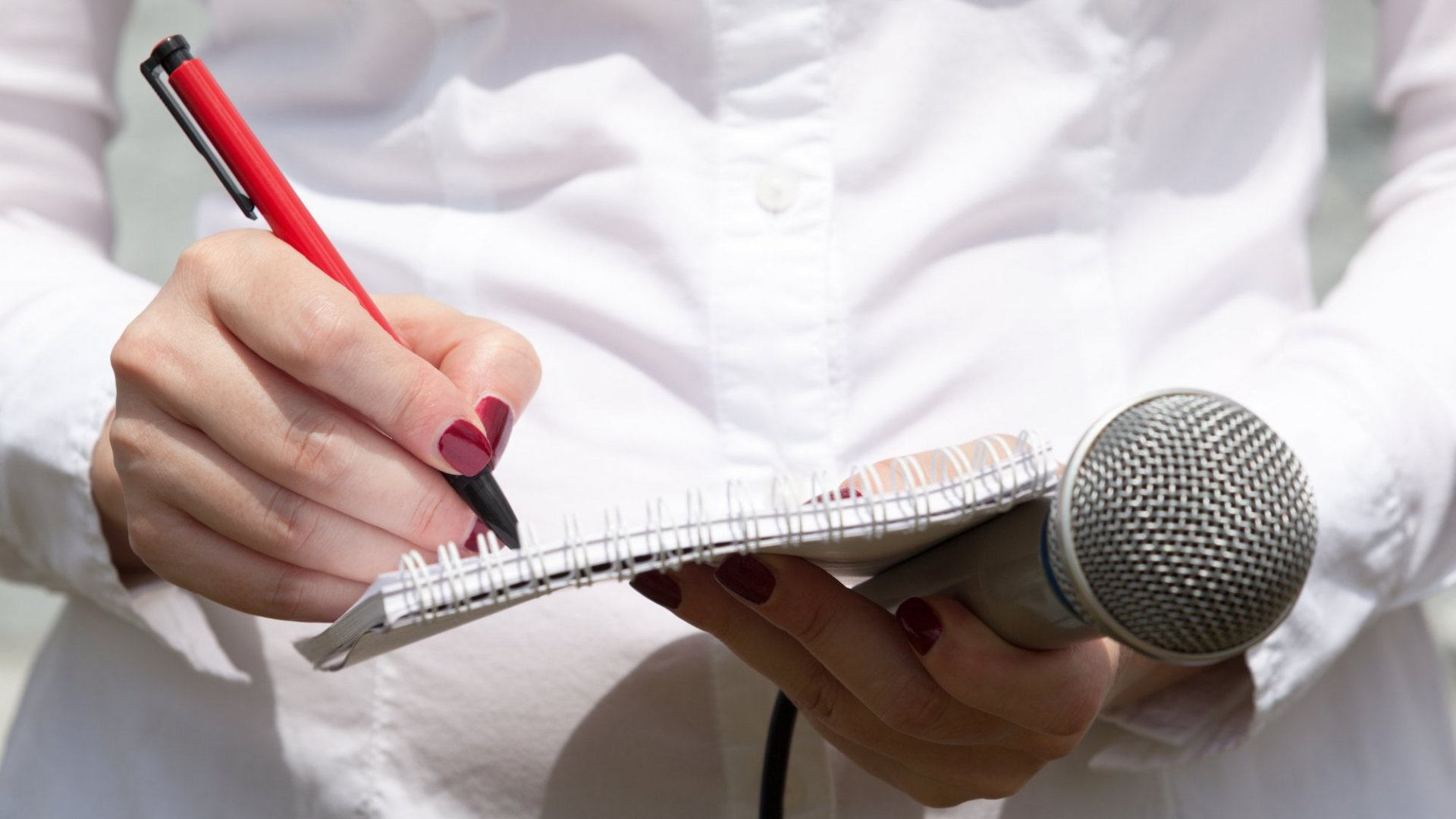 How to Immediately Inject Authenticity into Your Content Marketing? Hire a Journalist