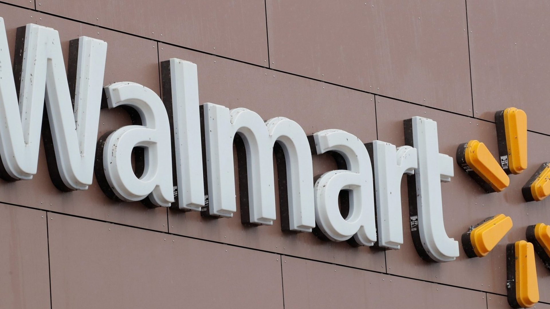 Walmart Is Hiring 150,000 Workers and Giving Out $550 Million in Bonuses