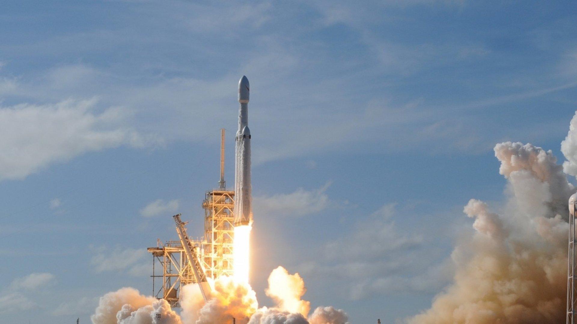 Elon Musk, Jeff Bezos, and Bad Science Fiction