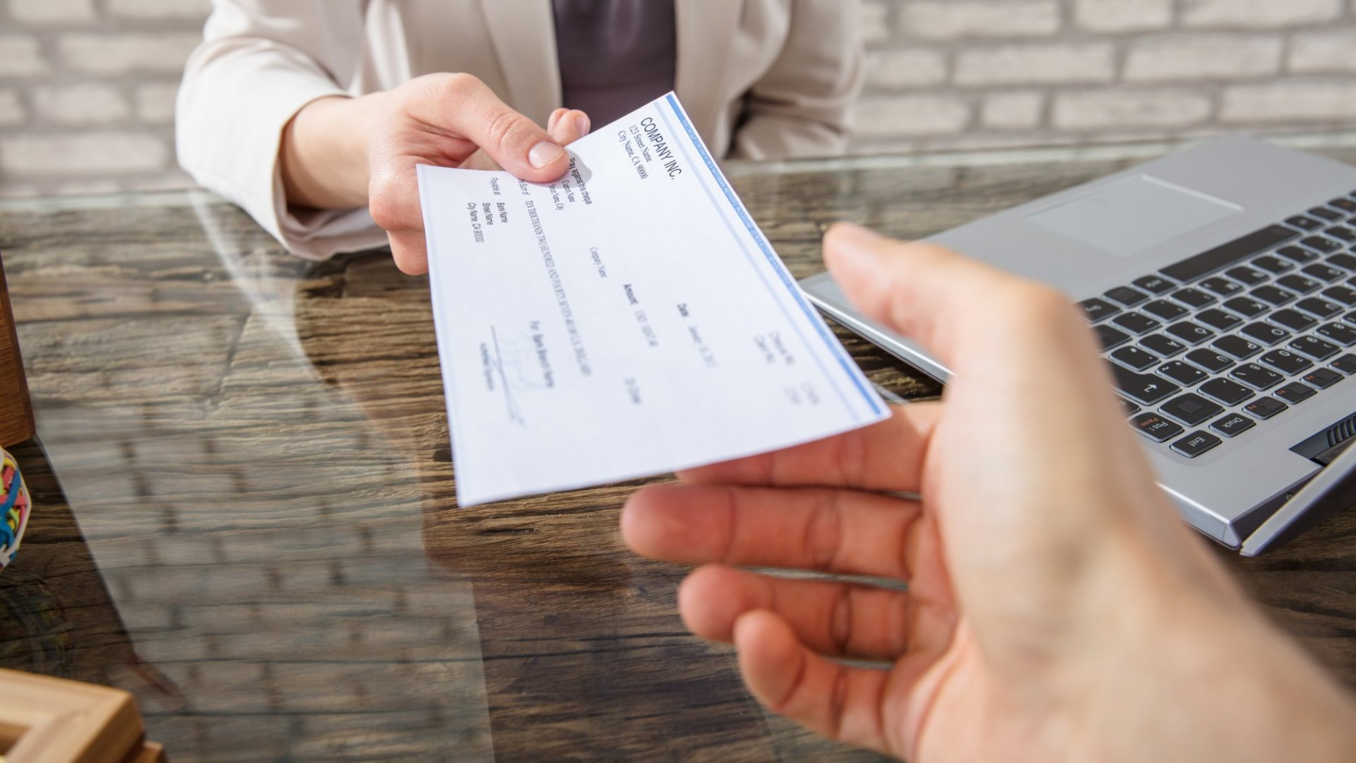 5 Common Mistakes That Can Cause Your Check to Bounce