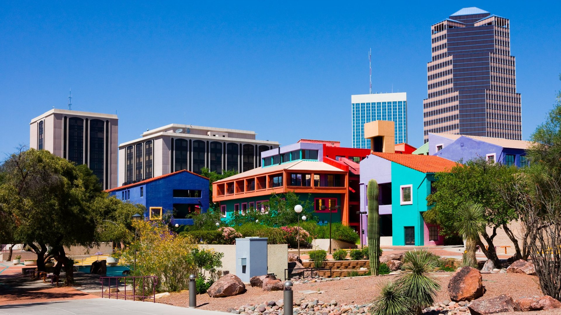 You can live comfortably in Tucson for less than $40k a year