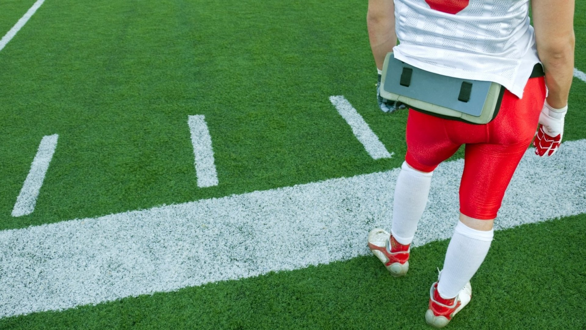 Multibillion-Dollar Sports Market, Still Waiting on the Sidelines