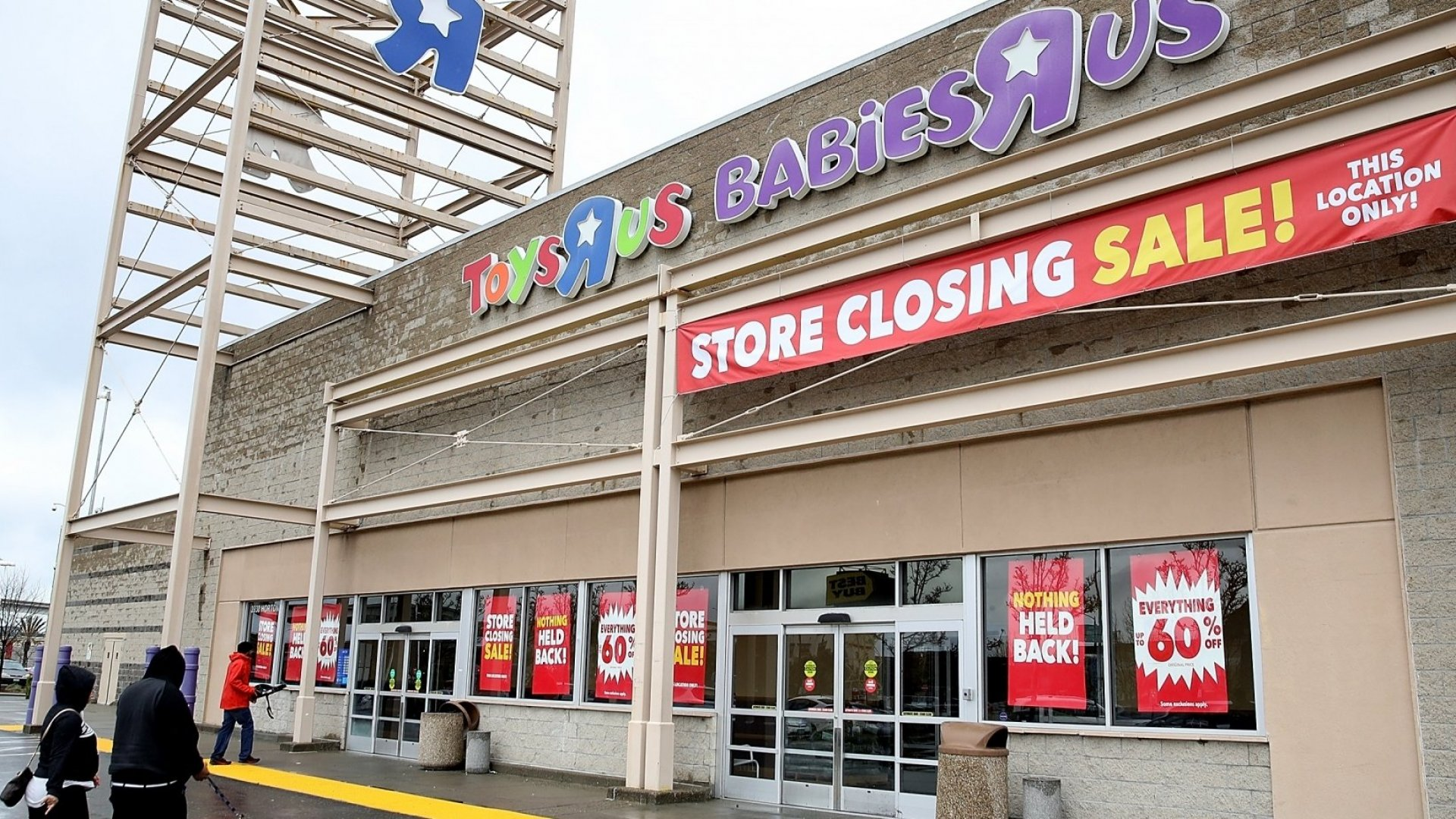 Amazon Could Acquire Toys 'R' Us. Here's Why It's a Brilliant Move