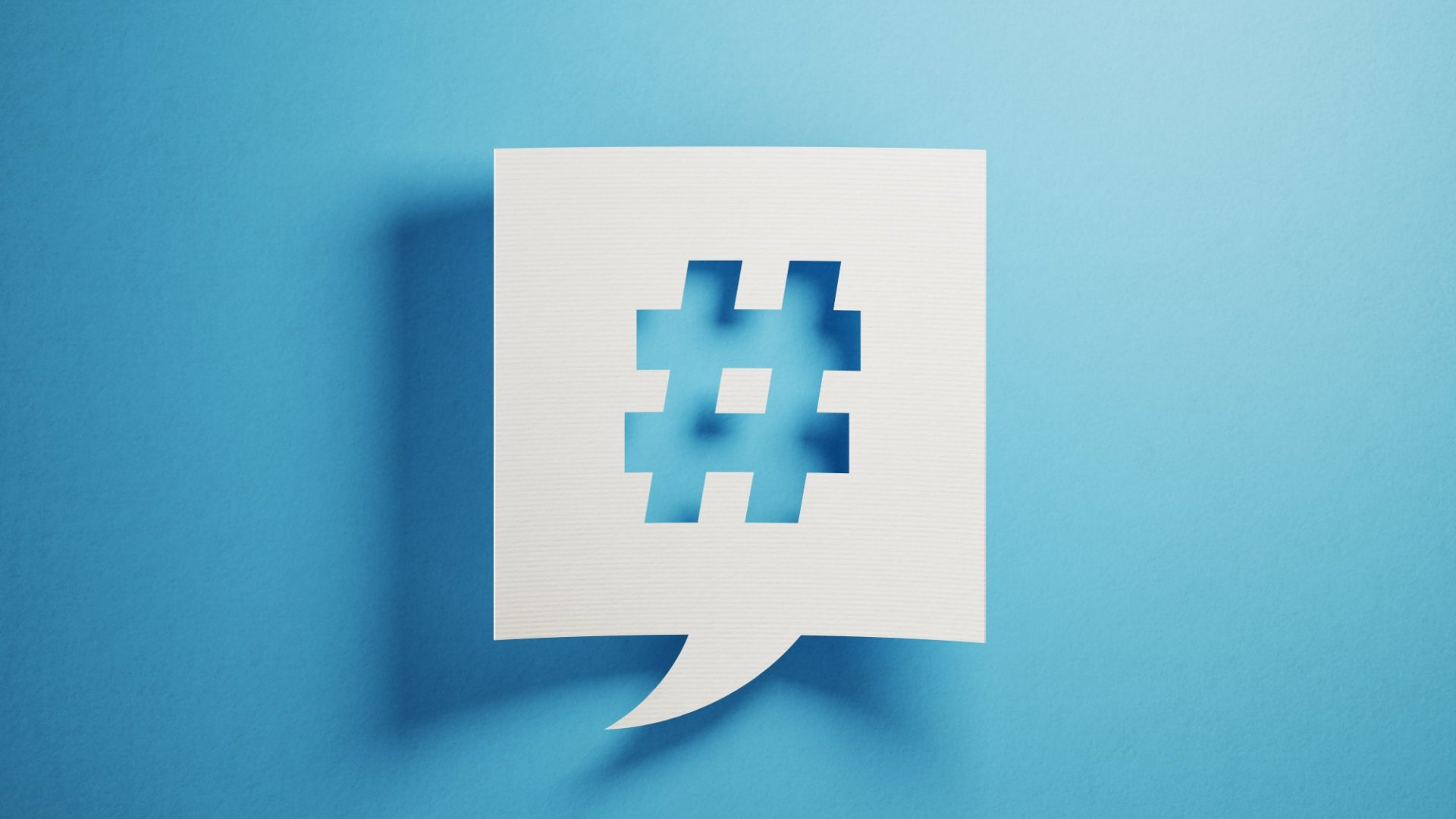 How to Build a Social Media Following Using These 2 Writing Tips