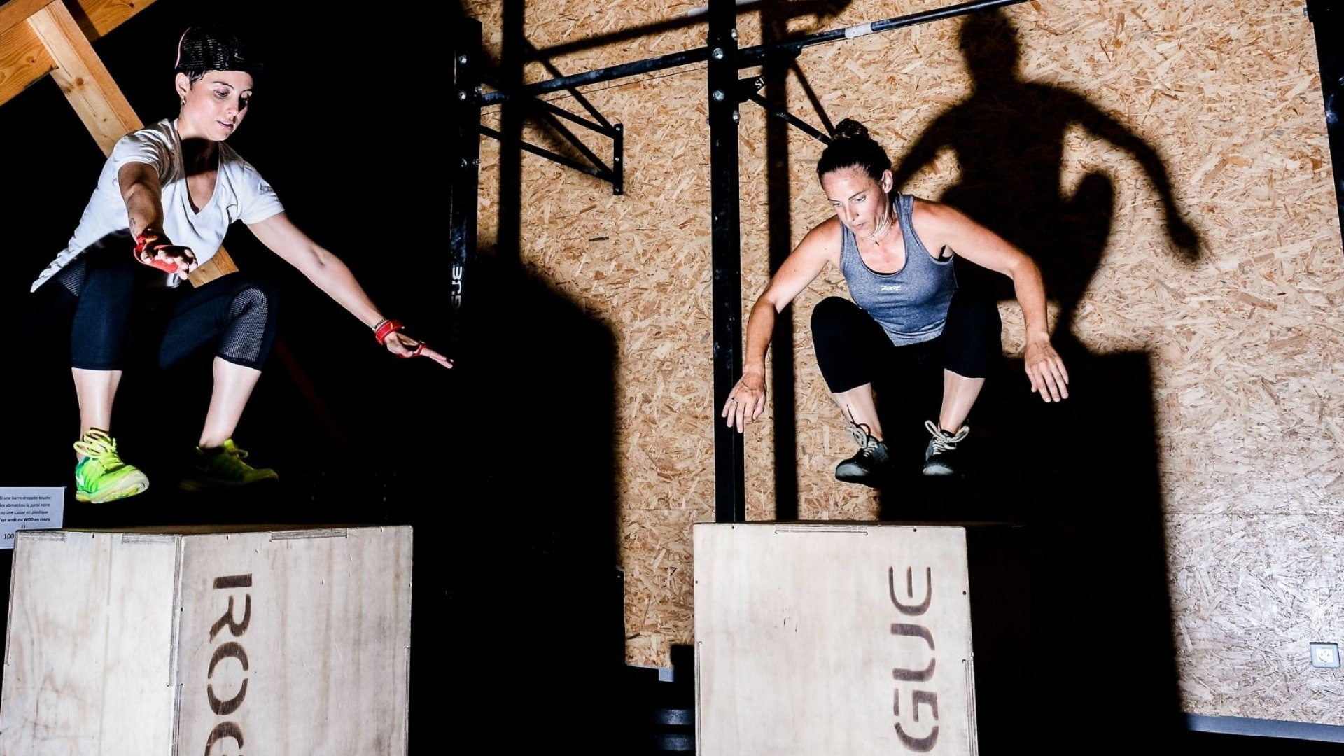 CrossFitters use some of Rogue Fitness's plyo boxes.