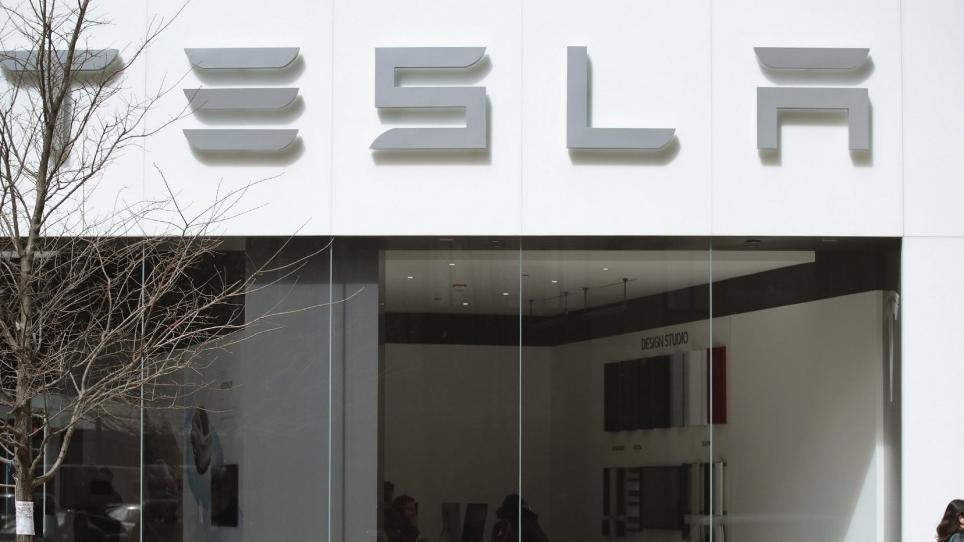 Here's Why Tesla's Move to Block Anonymous Employee Complaints Will Absolutely Backfire