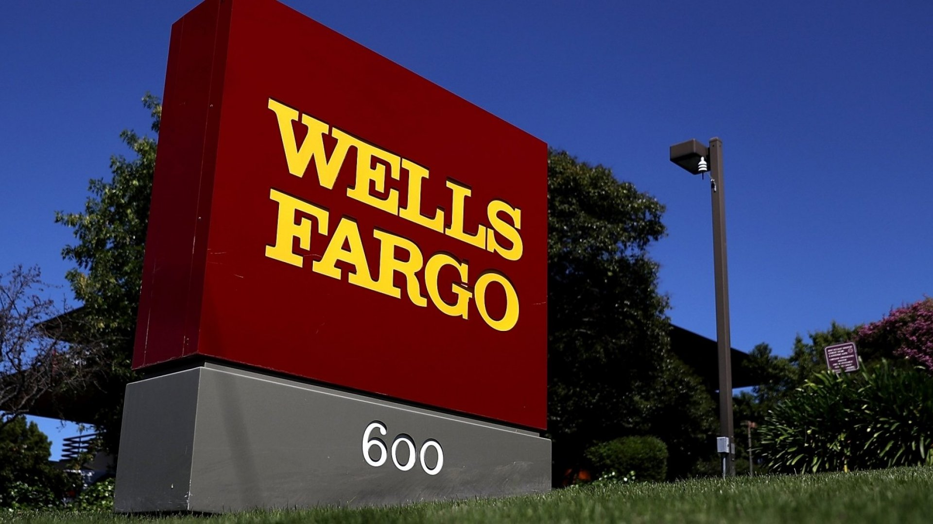 Wells Fargo Had a Difficult Week, But the Past 24 Hours Has Been an Utter Disaster--Here's What We Need to Learn From It