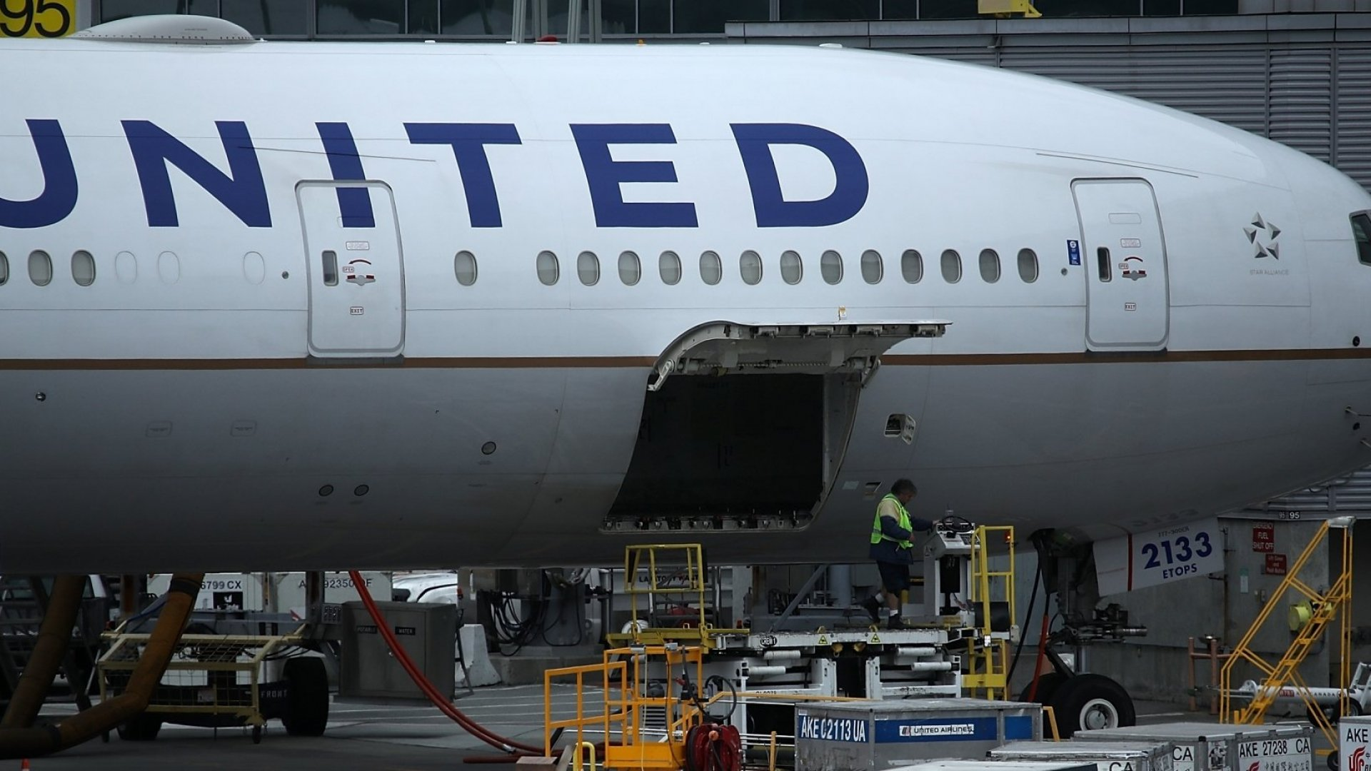United Airlines Thinks You Should Cook Your Inflight Meal at Home