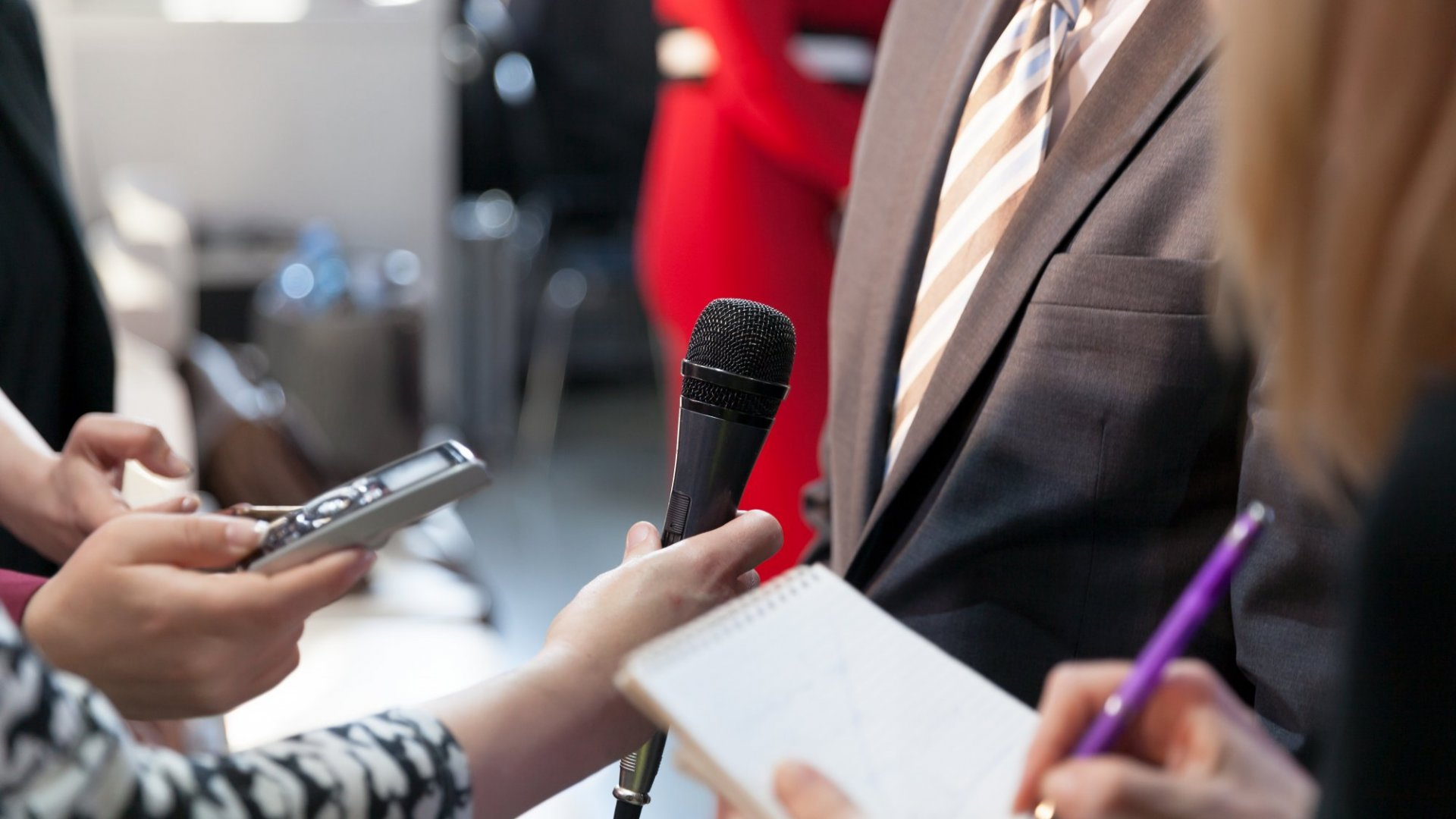 PR Lesson: The Secret to Responding to a 'Help a Reporter Out' Query