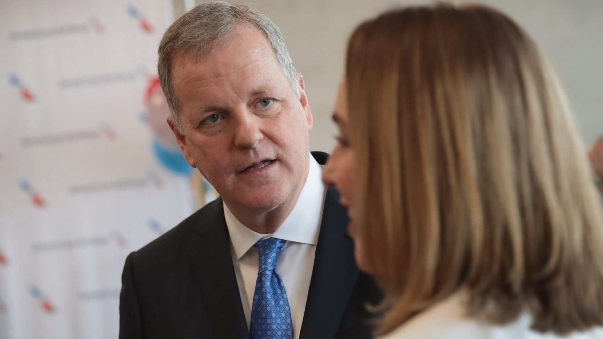 In 1 Astonishing Sentence, American Airlines CEO Reveals Whether He Thinks Customer Service Is the Priority (Clue: Not Really)