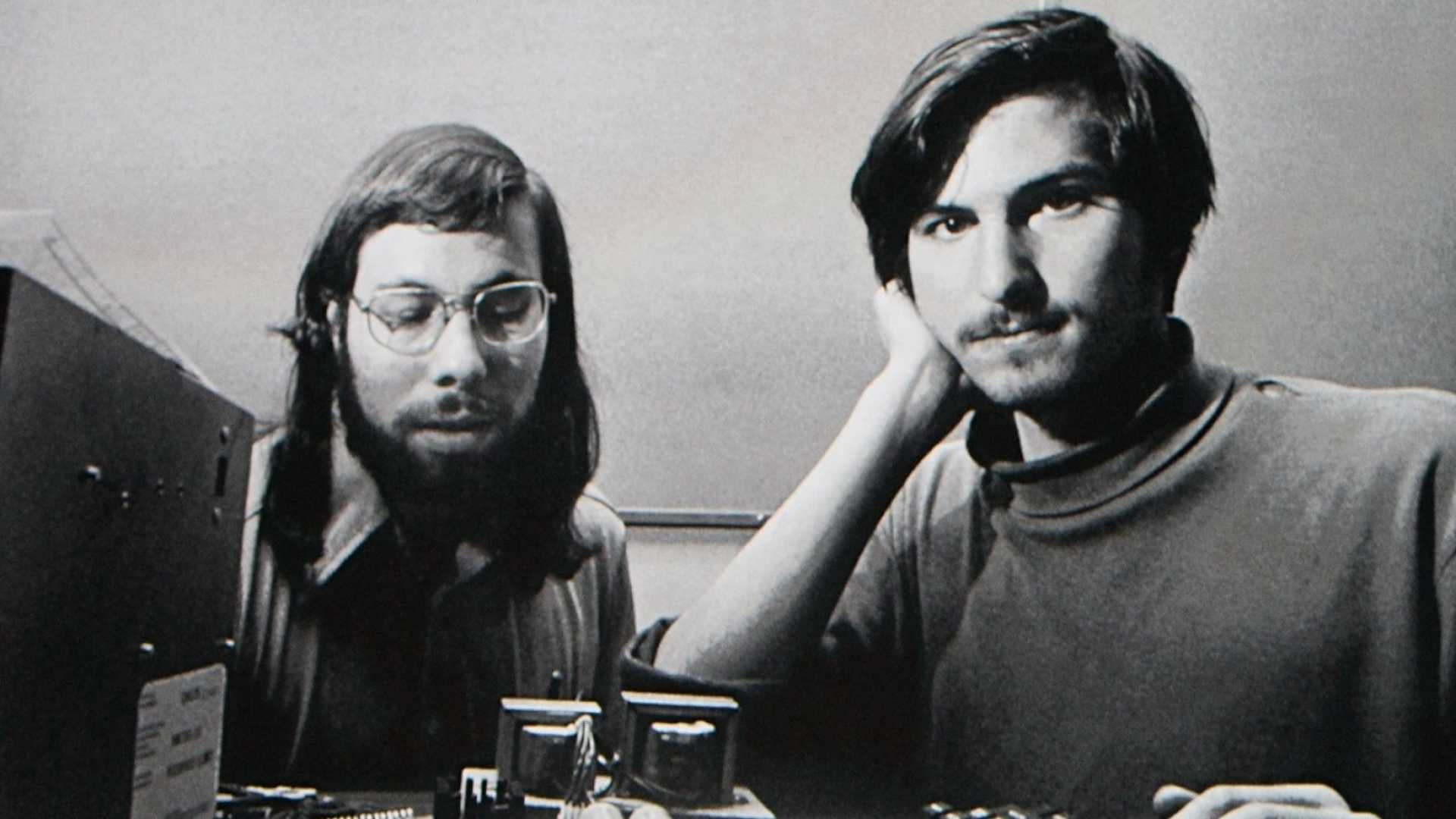 Which Steve Are You: Jobs or Wozniak? Knowing the Answer Helps You Build a Business You Love