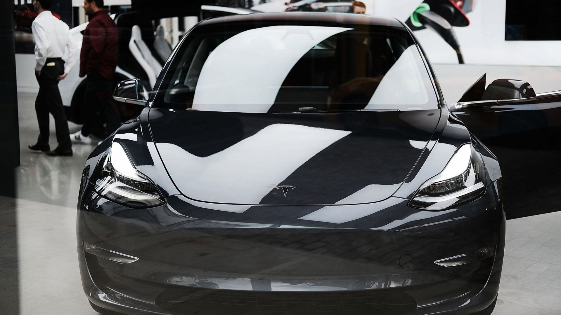 Tesla's Logistics Have Been Lagging. That's Why Elon Musk Just Personally Delivered a Model 3