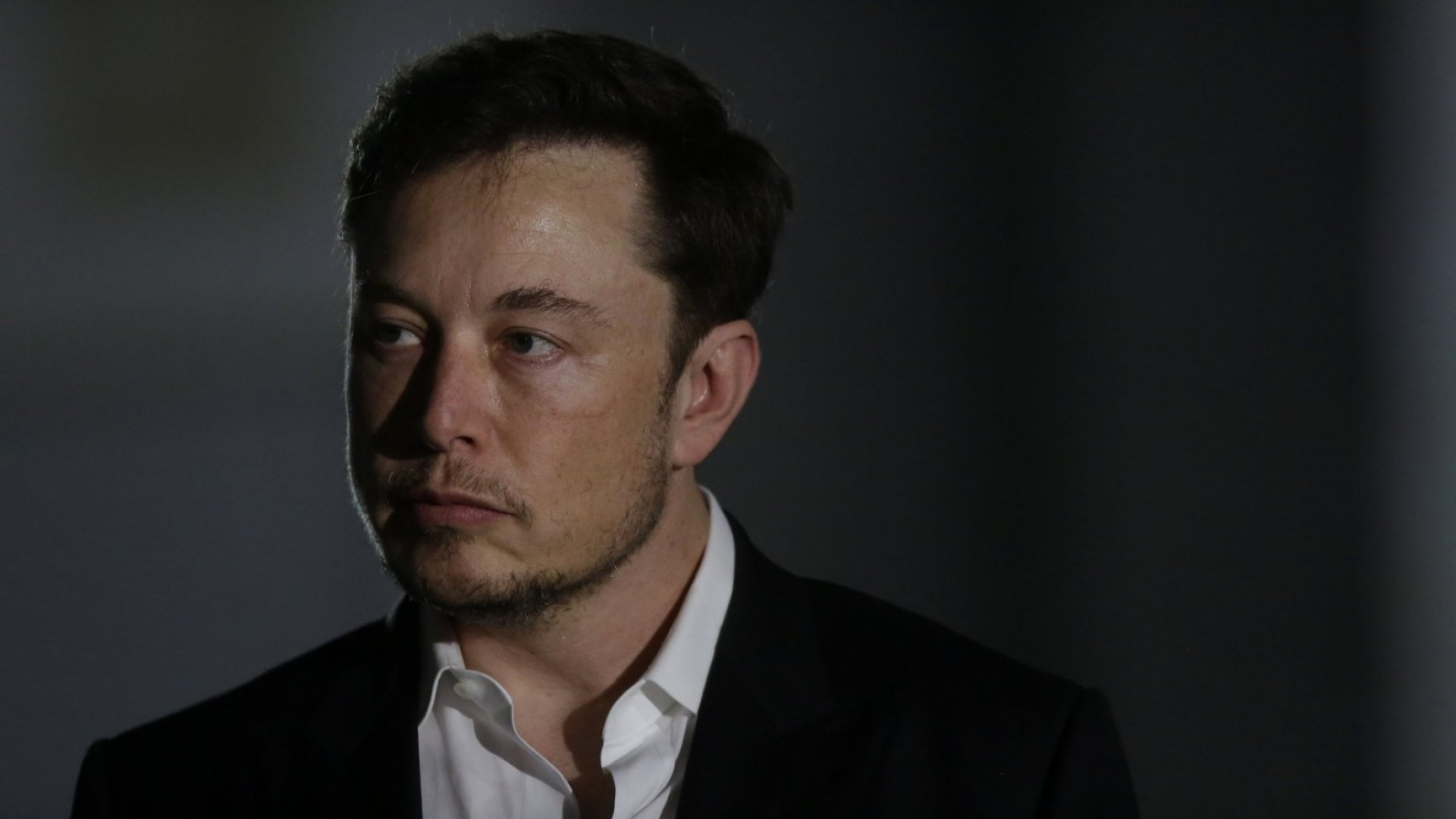 Elon Musk Sent an Email at 1:20 in the Morning. Here's Why You Shouldn't