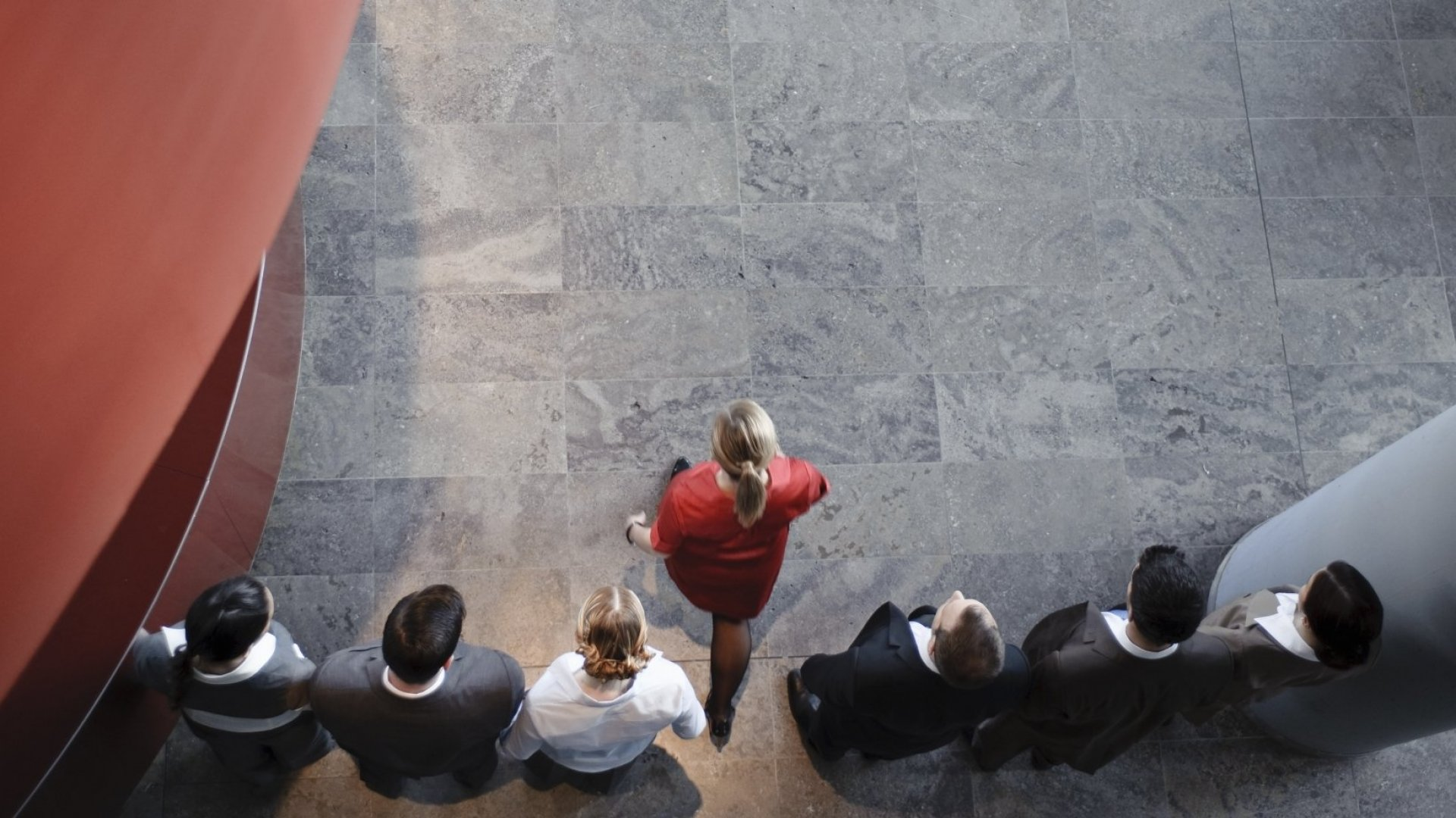 6 Signs to Instantly Identify Someone With True Leadership Skills