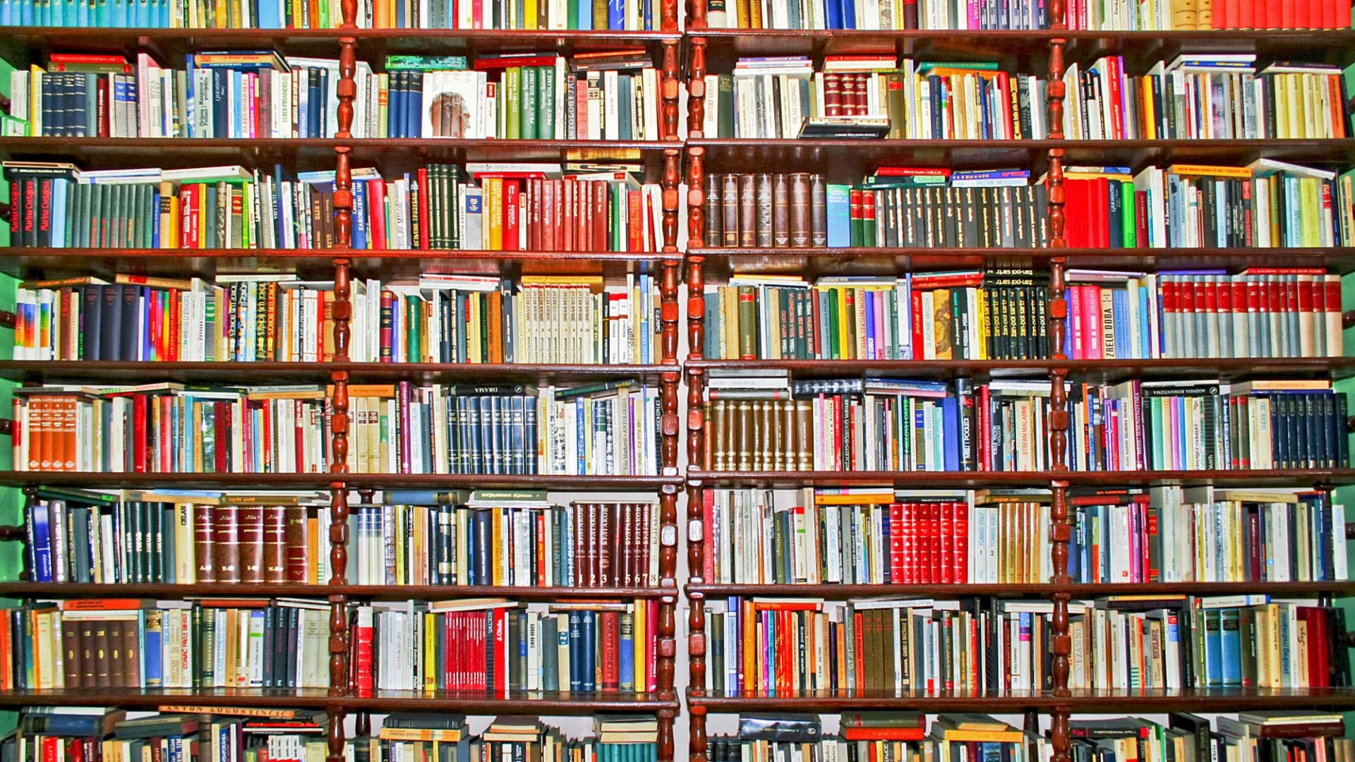16 Books That Top CEOs Think You Should Read