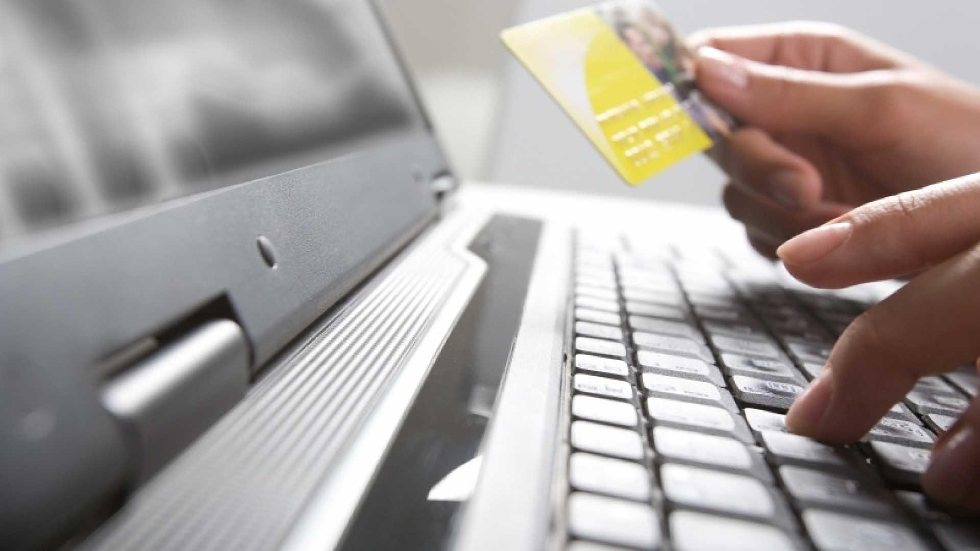 5 Tips on Succeeding as an eBay Seller