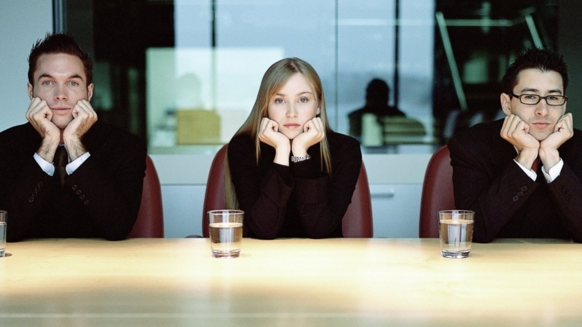 9 Things That Make You Look Really Unprofessional in Meetings