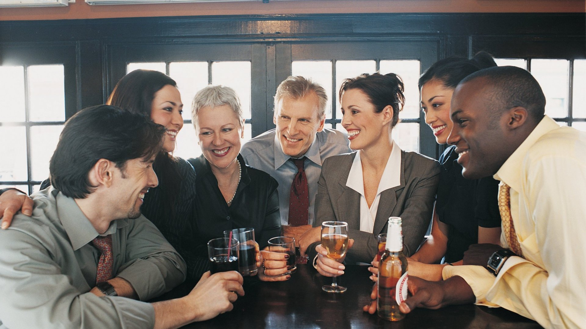 New Study: How Your Drinking Is Related to Your Social Network