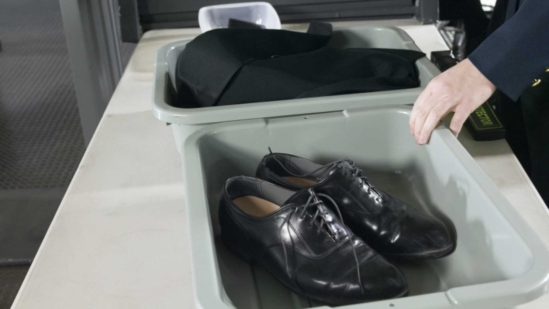 9 Tips to Zoom Through Airport Security