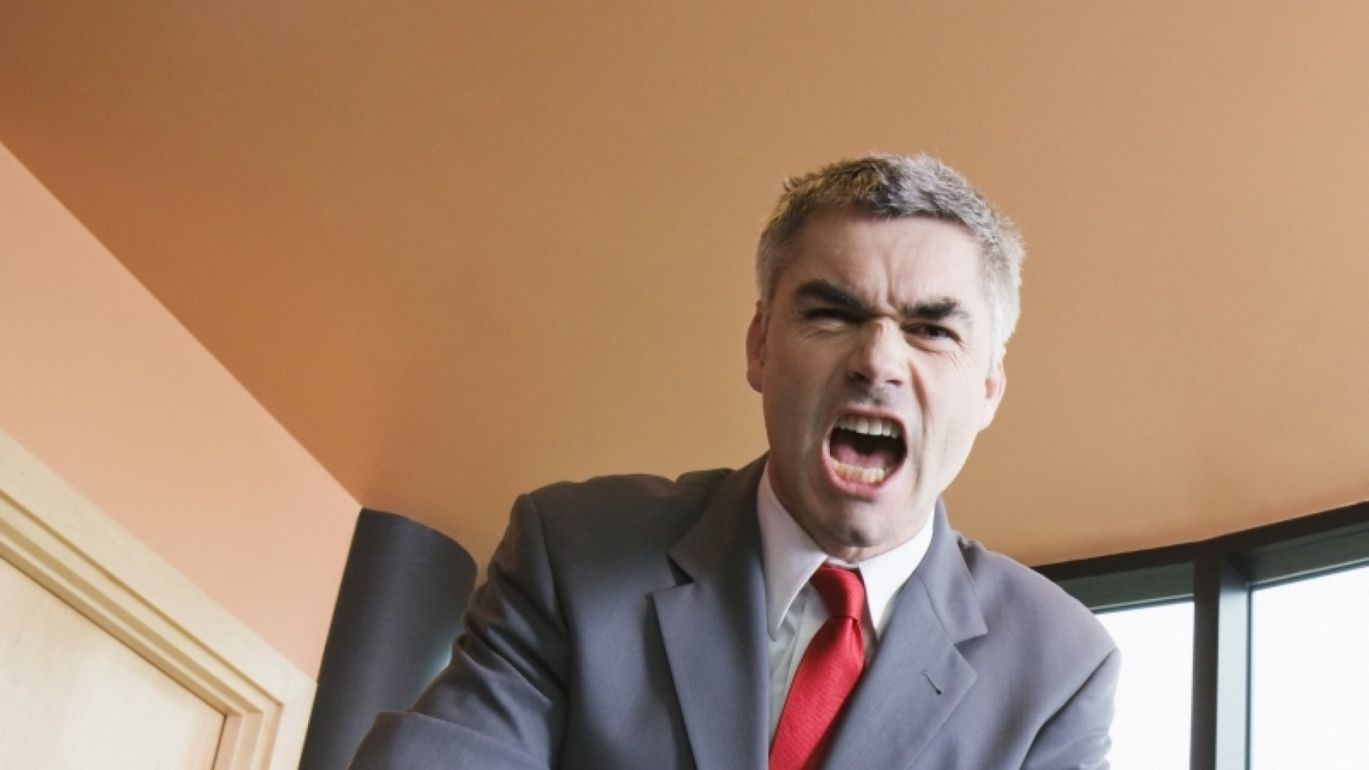 9 Ways to Tell if You Are an Abrasive Boss
